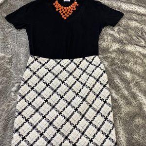 WHBM Boucle Plaid Pencil Skirt. Black and cream.